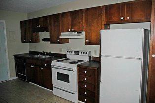 2br-fl kitchen1
